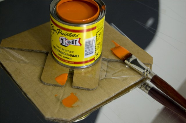 1 shot painters tin of paint